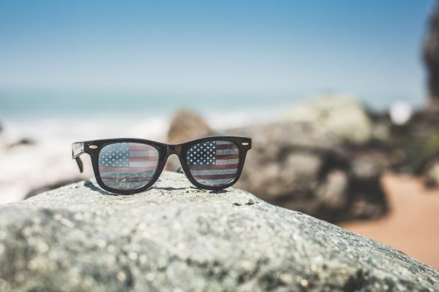 funny-usa-america-flag-retro-sunglasses-picjumbo-com